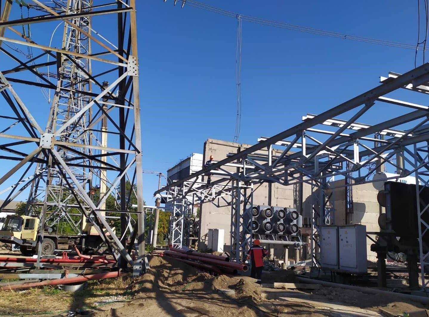 """Технічне переоснащення ПС 750 кВ """"Дніпровська"""" в частині заміни струмопроводу 15,75 кВ 1 АТ і 1 ТПР"""